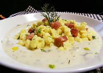 Nočky z pomazánkového másla s brynzovou omáčkou