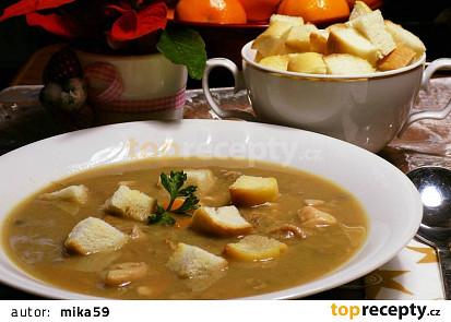 Rybí polévka z pečených rybích hlav