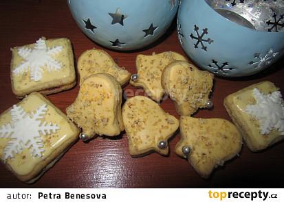Žluté ořechové dortíčky-slepované (moc dobré)