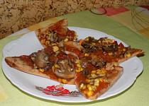Celozrnné těsto na pizzu
