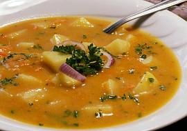 Cibulovo-česneková polévka s bramborami
