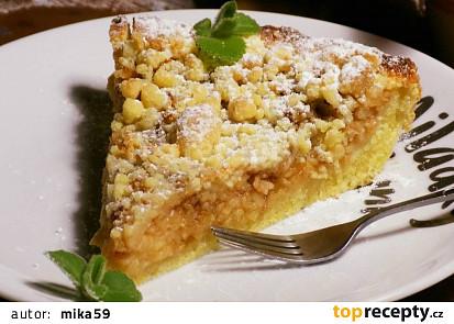Jablkový koláč z bramborového těsta s drobenkou