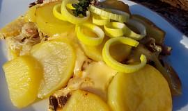 Obložené kotlety pod bramborami