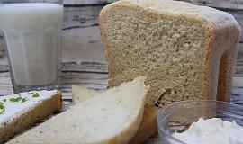 Bylinkový chléb s podmáslím z domácí pekárny