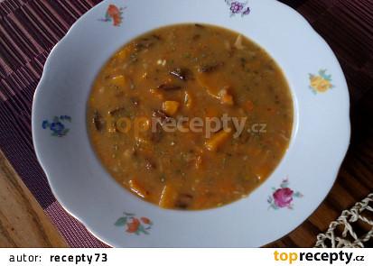 Dýňová polévka  na způsob bramboračky