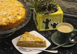 Mrkvový koláč s tvarohovou náplní