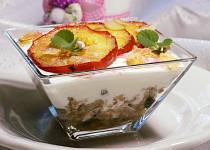 Pohanka s brusinkami, máslovými jablky a jogurtem