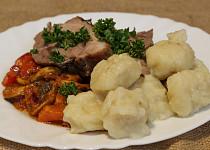 Vepřové na rozmarýnu s noky a restovaná zelenina