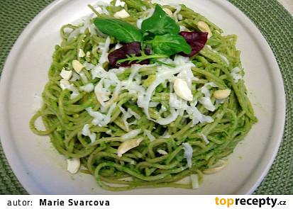 Celozrnné špagety s avokádovým pestem
