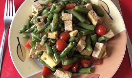 Fazolové lusky s uzeným tofu