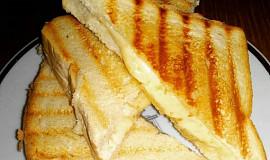 Grilované sýrové tousty