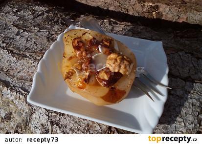 Hermelínem plněné pečené hrušky