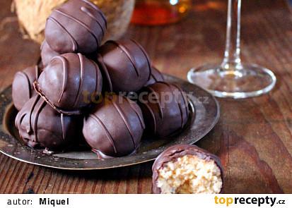 Kokosové kuličky s rumem v čokoládě