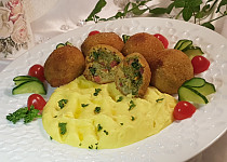 Smažené brokolicovo-slaninové koule