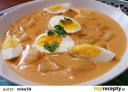 Cibulačka - omáčka s bramborami a vejci