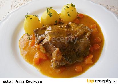 Hovězí líčka s mrkvovou omáčkou
