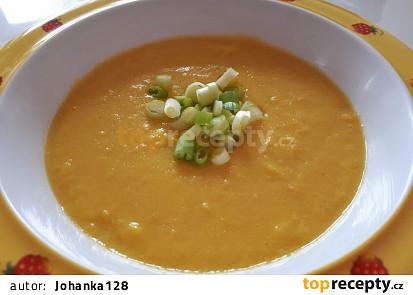 Kukuřičná polévka s batátem a petrželí - pro nejmenší