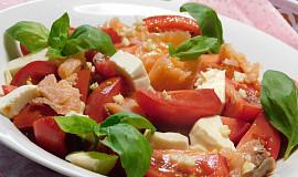 Marinovaná rajčata s uzeným lososem