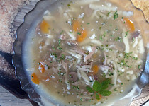 Polévka z kachních drůbků s drobením