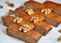 Jednoduchý zdravý ořechový koláč bez mouky ze tří ingrediencí