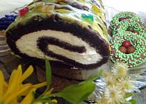 Moje kakaová roláda ve velikonočním kabátku
