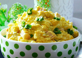 Povelikonoční vajíčkový salát s uzeným masem