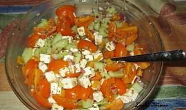 Jarní salát s balkánským sýrem