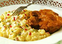 Pečená krkovička s jarním bramborovým salátem