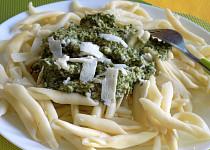 Těstoviny s rukolovým pestem