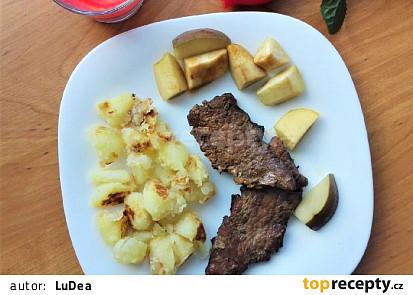 Vepřové maso pečené s hruškou a jablky
