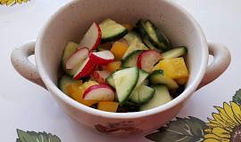 Ředkvičkový salát s paprikou