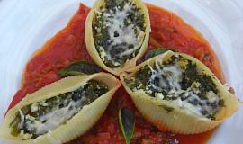 Těstovinové mušle plněné sýrem cottage a špenátem