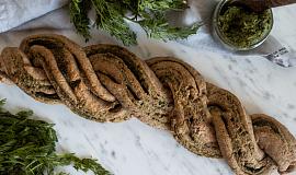 Vegan chléb s pestem
