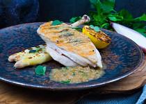 Kuřecí supreme s bylinkovým máslem a grilovaným chřestem