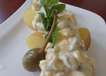 Nové brambory s kaparovo hořčičným přelivem