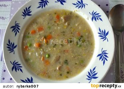 Pohanková polévka s houbami a taveným sýrem