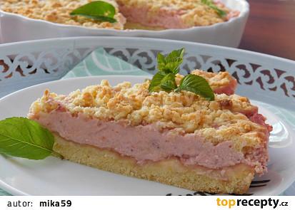 Drobenkový koláč s jahodovým jogurtem