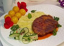 Grilovaná krkovice a bramborovo-květáková kaše s koprem