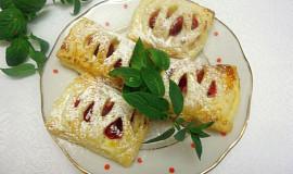 Mřížkové koláčky s tvarohem a malinami
