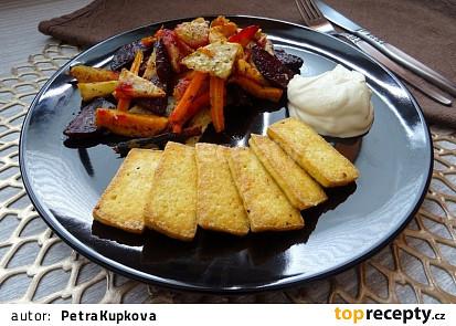 Pečená zelenina s křupavým tofu a česnekovým dipem