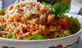 Tarhoňa pečená v rajčatech