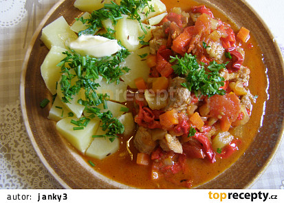 Vepřová plec v pikantní zelenině
