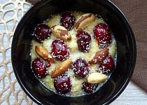 Rychlá kaše s čerstvým ovocem a oříšky