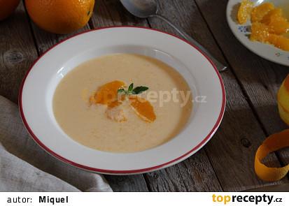 Studená pomerančová polévka z jogurtu