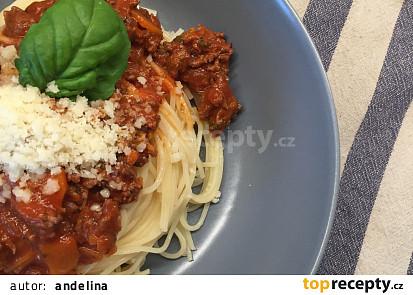 Boloňské špagety s vínem