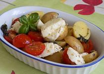 Bramborový salát s mozzarellou a rajčaty