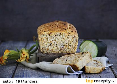 Cuketový chléb s parmazánem a sušenými rajčaty