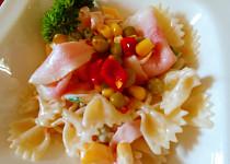 Jednoduchý odlehčený těstovinový salát