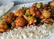Květákové kung-pao s arašídy, zázvorem a pórkem