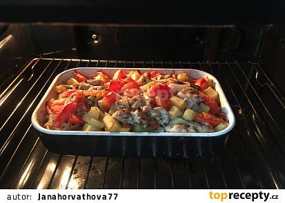 Zapékané brambory se smetanou a kuřecim masem